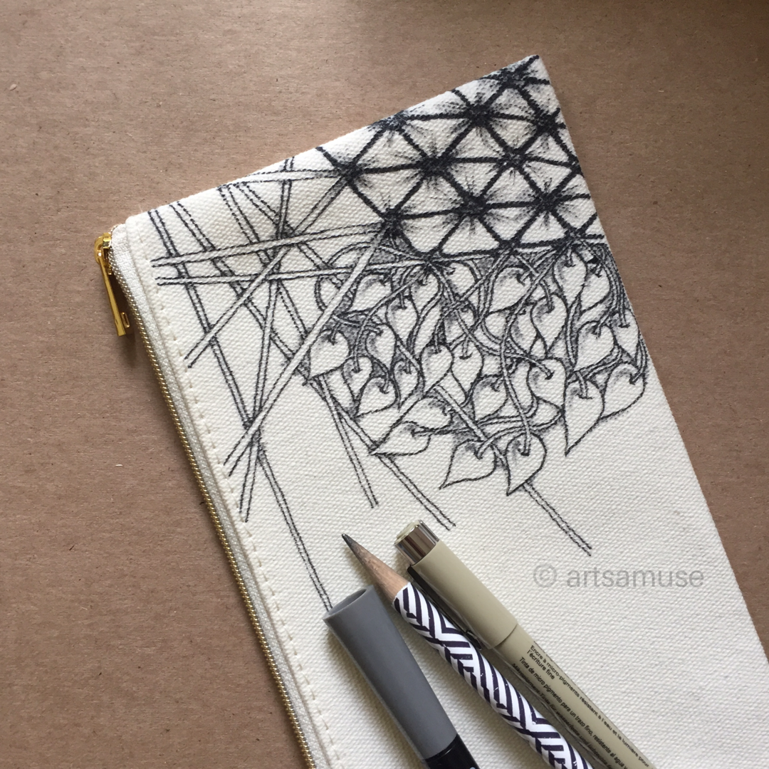 ©️ArtsAmuse. Pen and Fabric 3